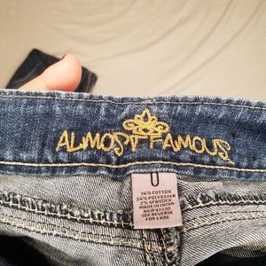 Almost Famous Jeans - Almost Famous 0 Distressed Destroyed Faded Jeans S